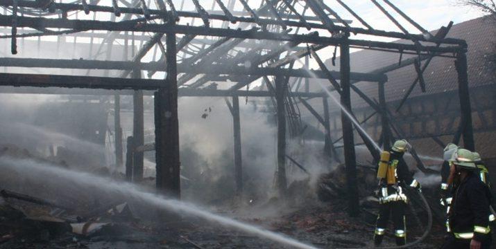 Brand einer Scheune in Ober-Modau