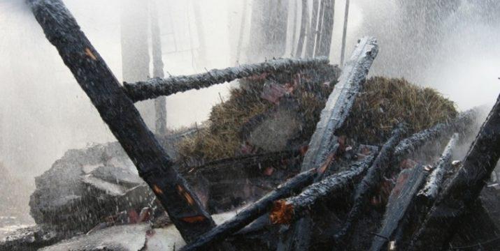 Brand einer Scheune in Nieder-Modau